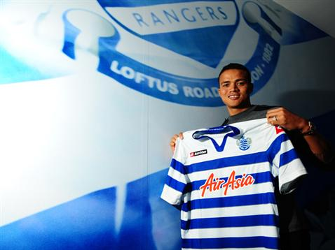 Jermaine Jenas has joined QPR for an undisclosed fee