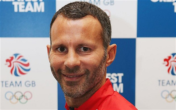 Ryan Giggs opened the scotring for Manchester United in their 2-0 victpry over Everton