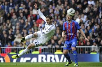 Real Madrid´s feast 5-1 against Levante who scored first, but ended with 5 balls in the net