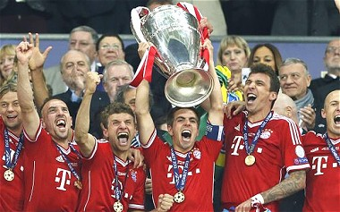 Bayern Munich lift the Champions League trophy