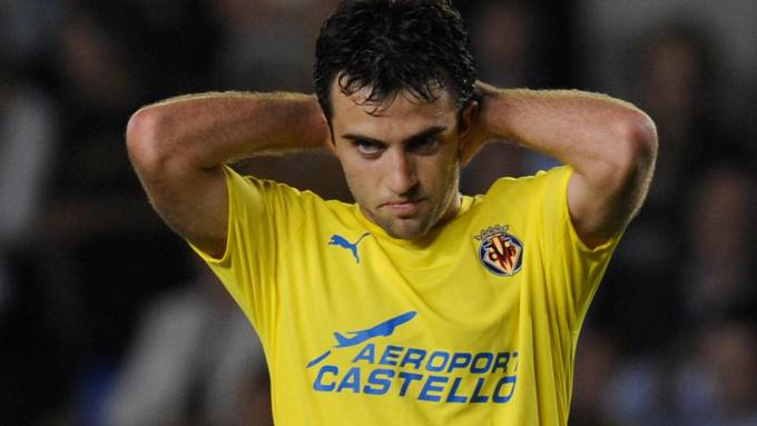 Is there any sense in AC Milan trying to sign Giuseppe Rossi?