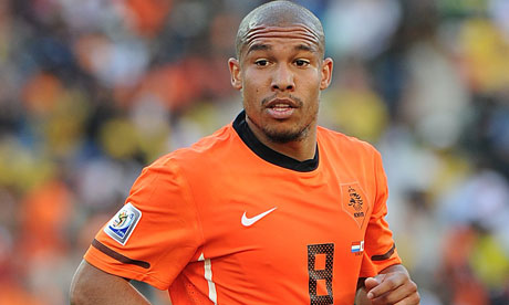 AC Milan close to signing Nigel De Jong