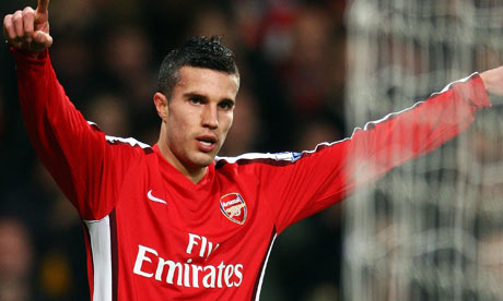 Official:  Robin Van Persie joins Manchester United