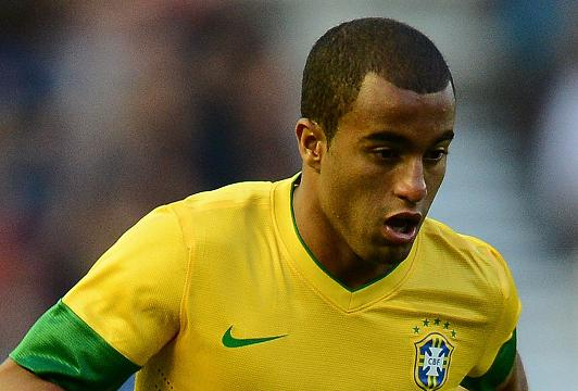 Paris Saint-Germain sign Lucas Moura